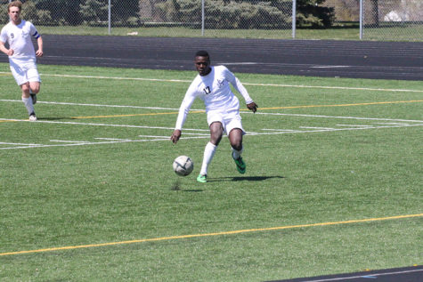Varsity Soccer Shoots to Reclaim State Title