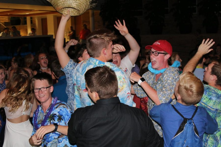 PHOTOS: Freshman Homecoming Dance
